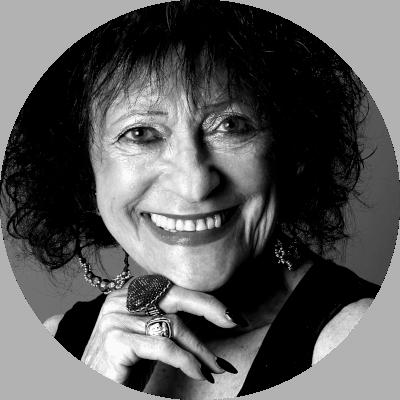 Natalie Levant ist 88 und Stand-up-Comedienne aus Philadelphia